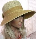 hoed met grote klep zonneklep
