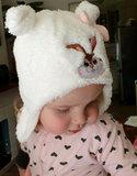 Babymuts met afbeelding konijn in roze en wit_