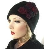 Luxe korte damesmuts van wol met versiering_