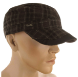 Winterse zwart met bruine Army cadet cap met oorflappen_