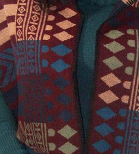 Poncho met mexicaans motief kleur bordeaux rood