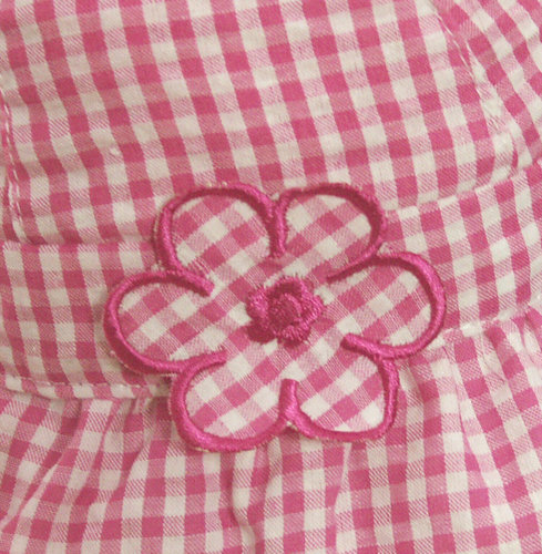 Katoenen babyhoedje met ruitje kleur roze