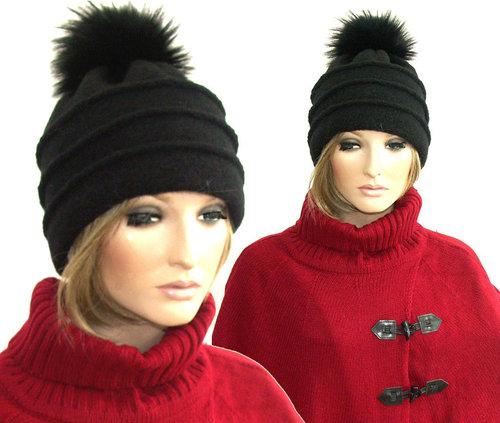 Luxe wintermuts van 80% wol met bont pluim