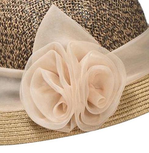 Cloche jaren 20 style van toyostro kleur beige bruin met bloem