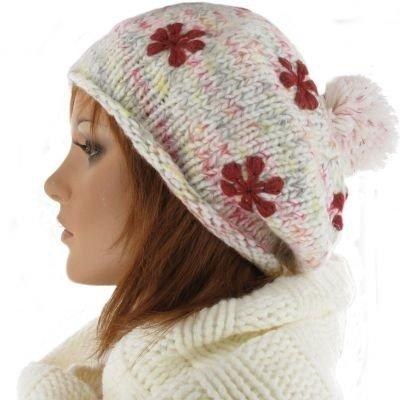 CHILLY Hippe oversized baret met Pompom kleur wolwit met kleurtjes