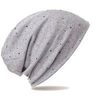 Trendy-zomermuts-kleur-licht-grijsblauw-met-studs-voor-chemo-haarverlies