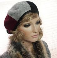 Luxe-damesbaret-in-driekleur-van-Majorwear-bordeaux-grijs-zwart
