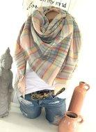 Warme-XXL-wintersjaal-in-pastelkleuren
